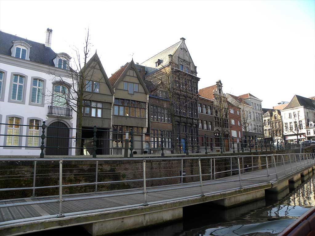 Hotel Ve - bootvaart en wandeling door Mechelen