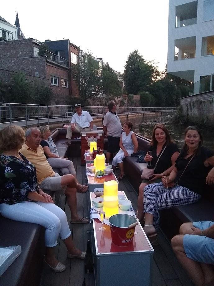 Mechelen by night vanop de Dijle