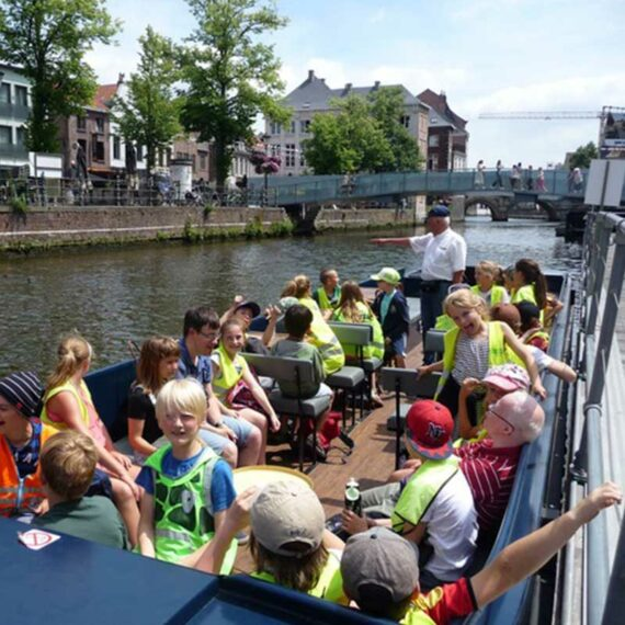 """Bootjes in Mechelen - scholenrondvaart """"De Dijle vertelt"""""""