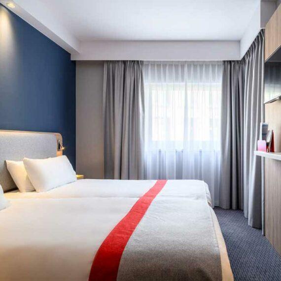Holiday Inn Express Mechelen Deluxe Twin Room with Flatscreen